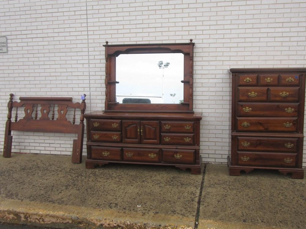 3 Piece Pine Full/queen Bedroom Set